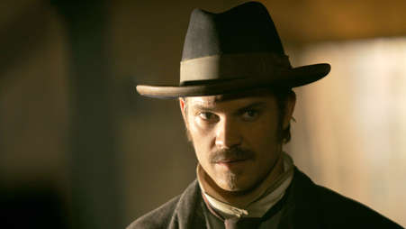 000_deadwood_season_iii_ep_01_000_-_254